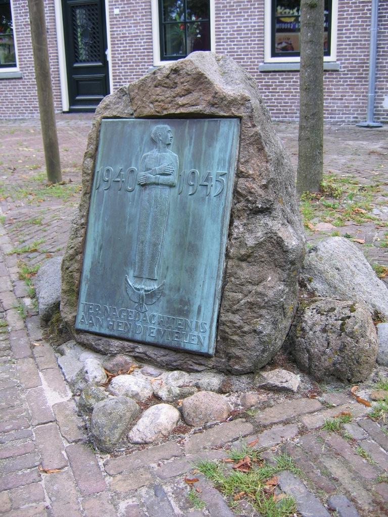 Ruinen, monument op de Brink