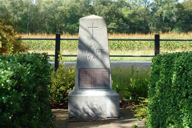 Wierden, monument aan de Rijssensestraat