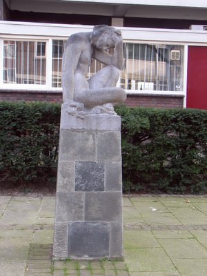 Rotterdam, 'Treurende Vrouw'