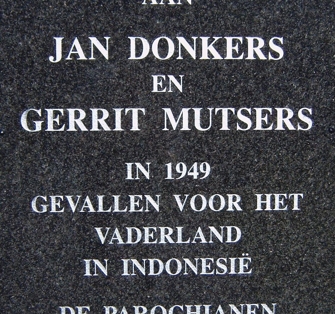 Someren-Heide, plaquette op de begraafplaats van de Parochie St. Jozef