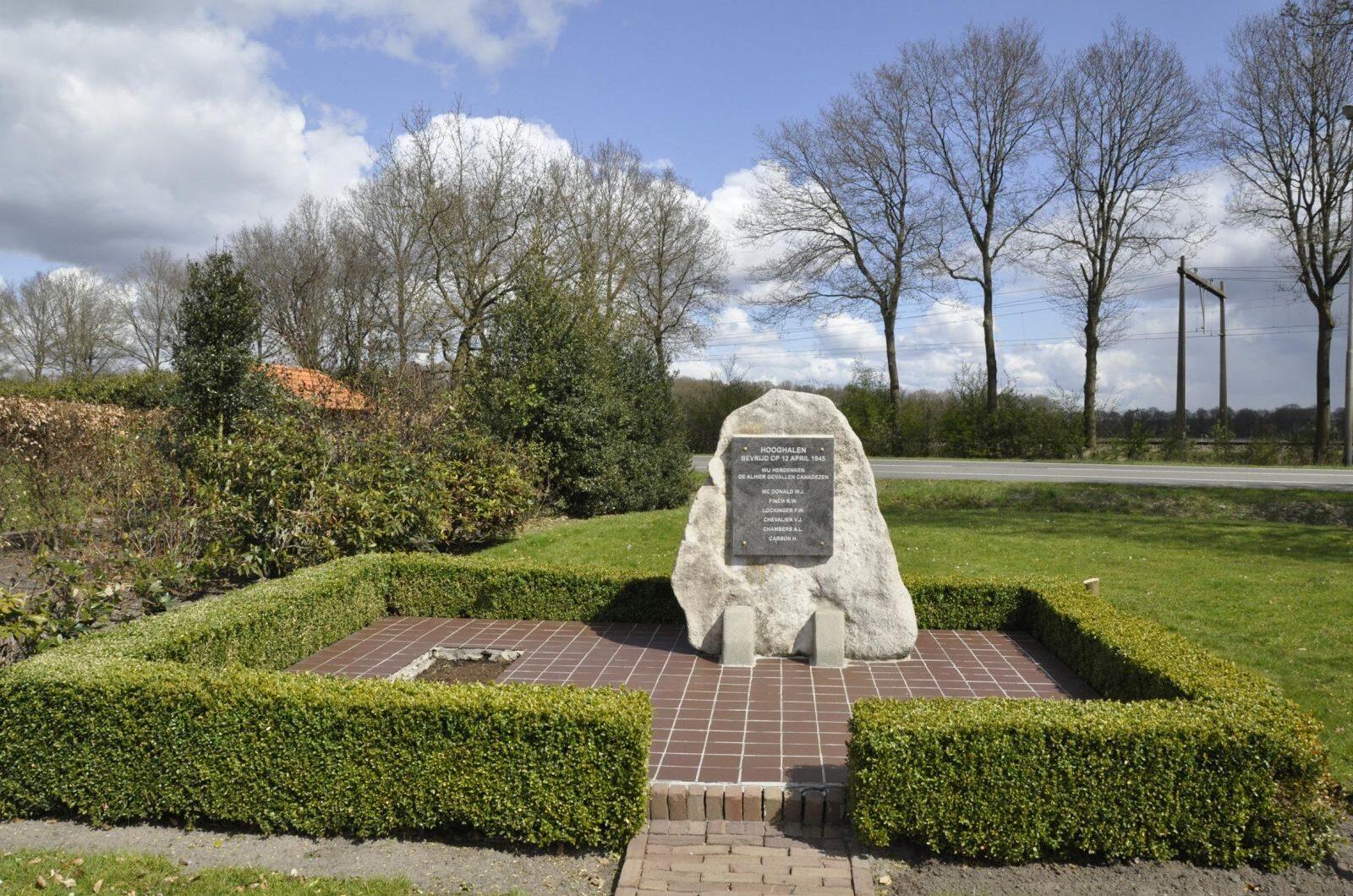 Hooghalen, 'Monument voor Canadese Militairen'