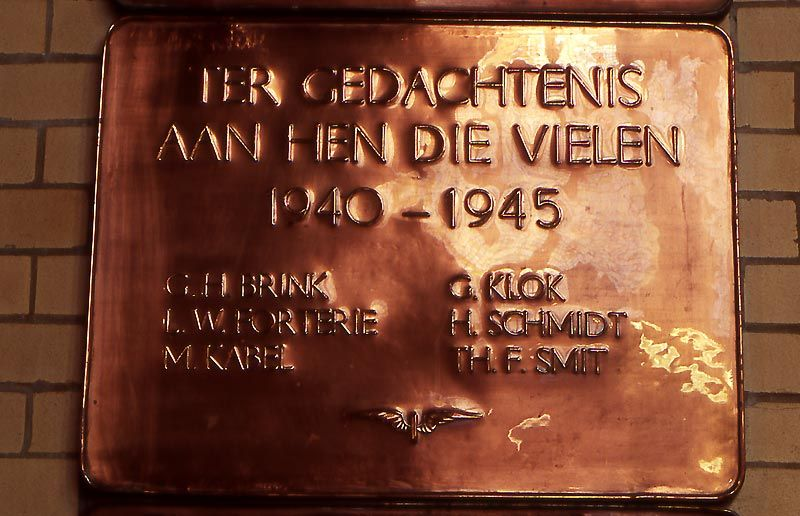 Haarlem, plaquette in het NS-station (3)