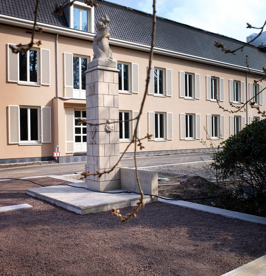 Doorn, monument op het Raadhuisplein (foto: Willem Mes)