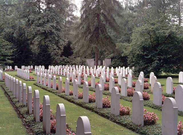 Hannover, Nederlands ereveld (foto: Nederlandse Oorlogsgravenstichting)
