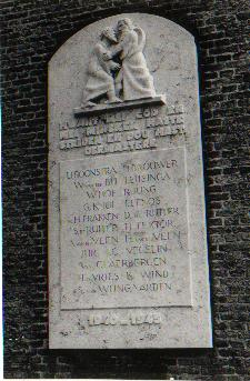 Joure, monument bij de N.H. kerk (foto: Verzetsmuseum Friesland)