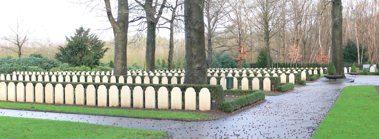 Rhenen, Militair Ereveld Grebbeberg (foto: Nationaal Comité 4 en 5 mei)