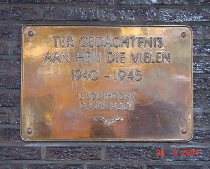 Den Haag, plaquette in het NS-station (3)