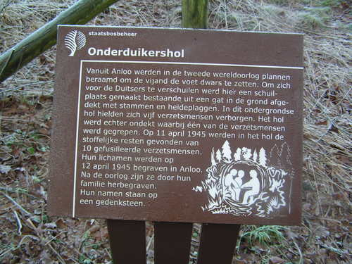 Foto: Anloo, oorlogsmonument in het Evertsbos