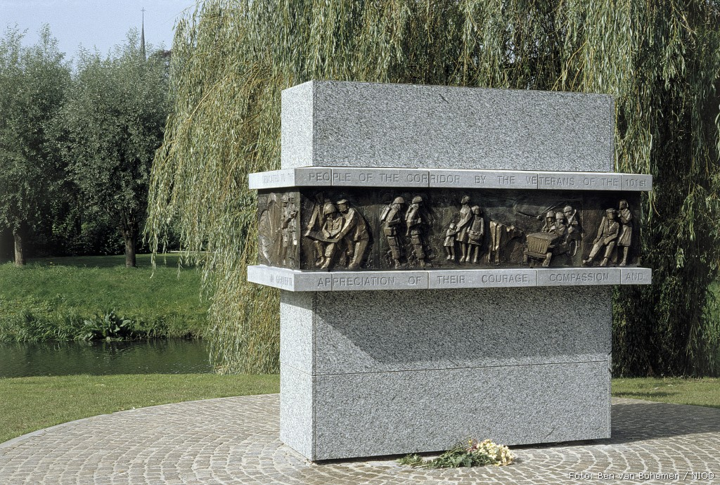 Sint-Oedenrode, 'Monument to the Dutch'