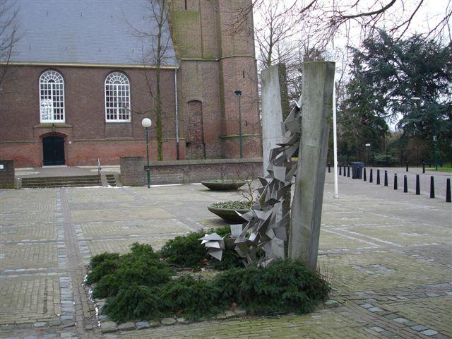 Wijk en Aalburg, vredesmonument