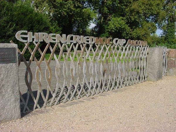 Erebegraafplaats Cap Arcona in Neustadt in Holstein (foto: Wilhelm Lange)