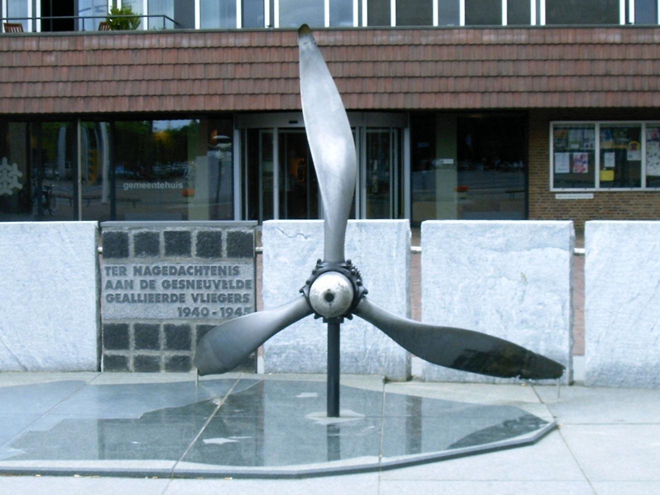 Dronten, Vliegersmonument