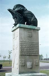 Edam, 'Egbert Snijder Monument'