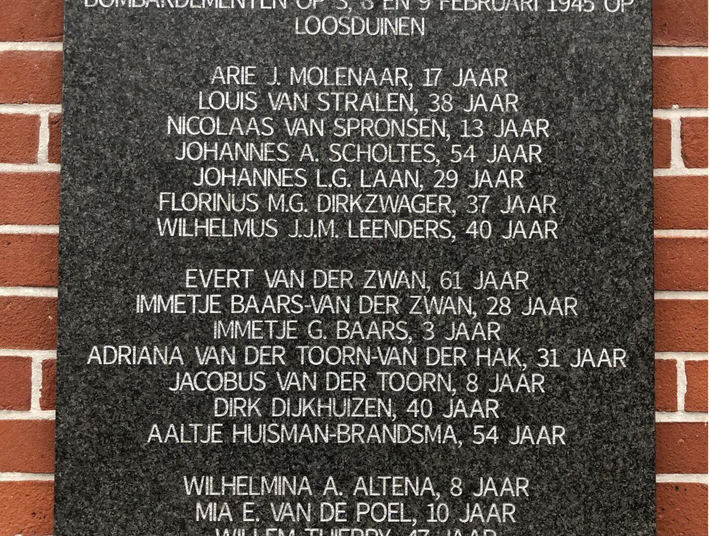 Den Haag, plaquette voor bombardementslachtoffers