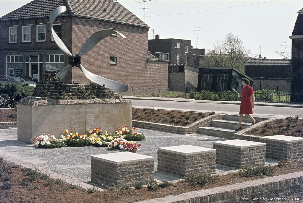 Sevenum, monument aan het Julianaplantsoen