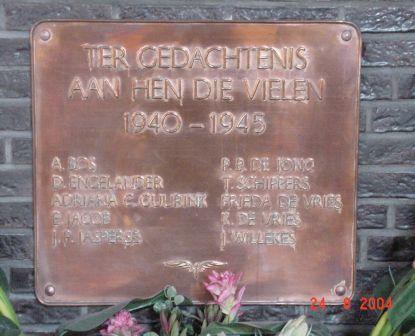 Den Haag, plaquette in het NS-station (1)