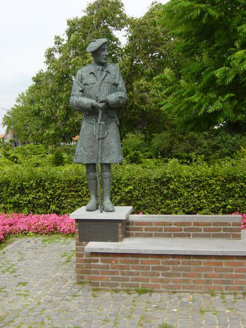 Moergestel, monument voor generaal Sir Colin Muir Barber
