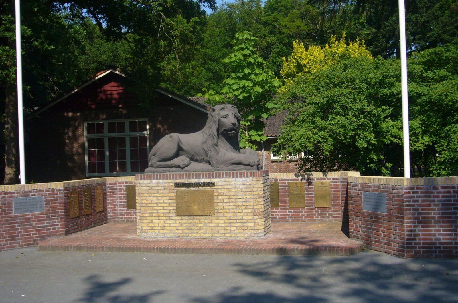 Amersfoort, monument voor de gevallenen van het Regiment Verbindingsdienst (foto: Rutger Murk)