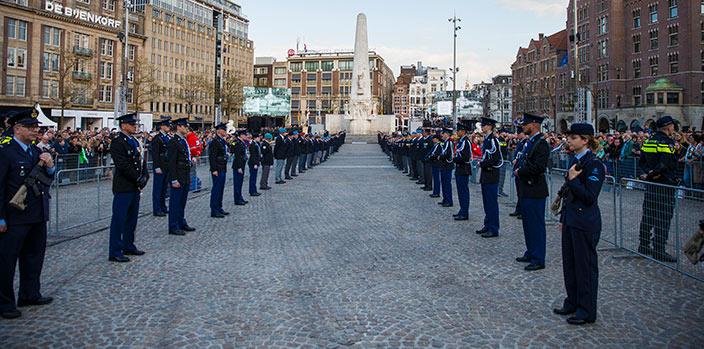 militaire rituelen bij de nationale dodenherdenking-ver